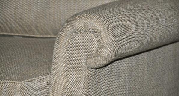Umi Sofa